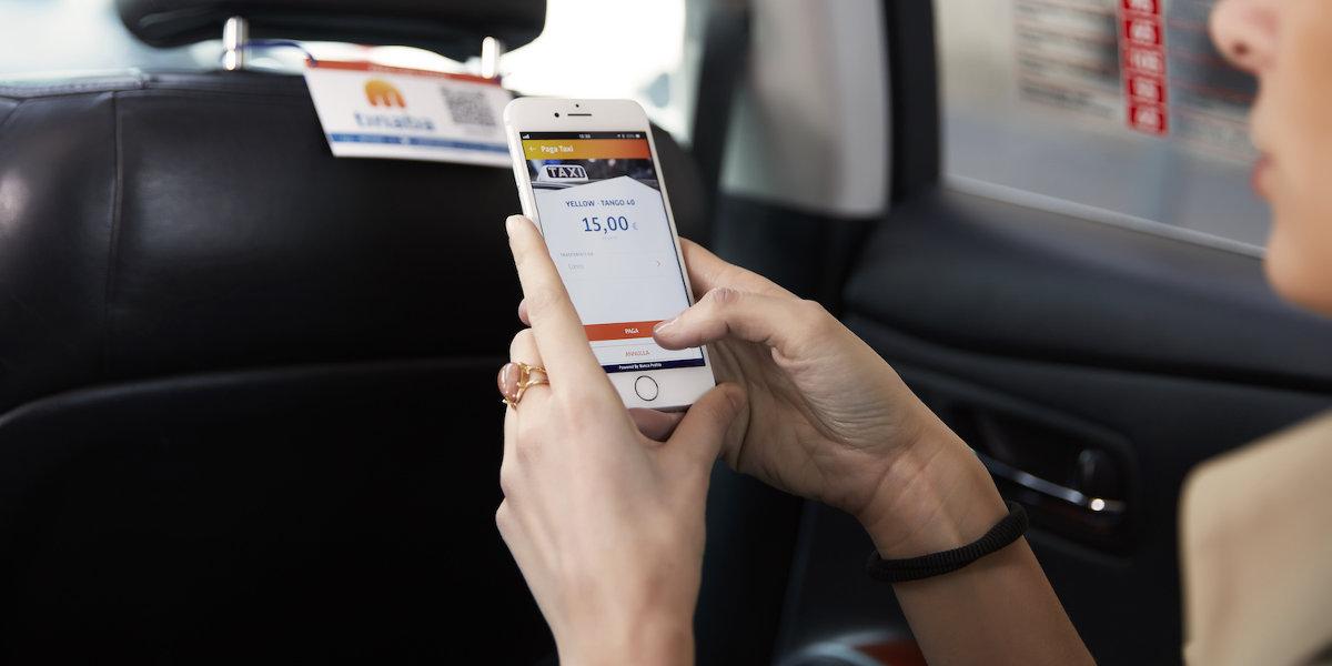 A Bologna, Brescia e Firenze i taxi si pagano tramite smartphone