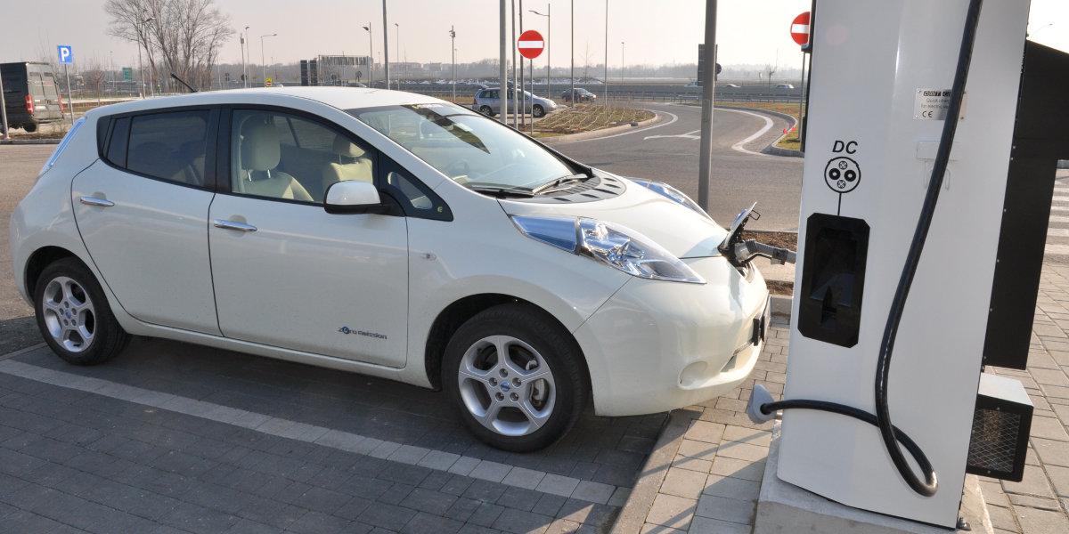 Enel porta la ricarica delle auto elettriche in autostrada