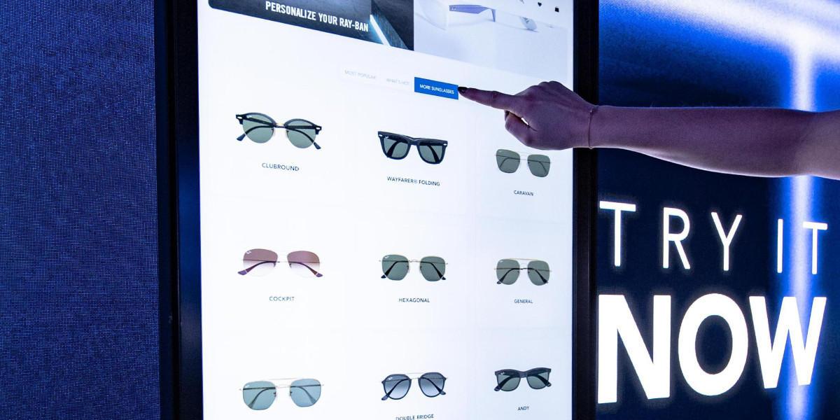 Luxottica avvia la rivoluzione digitale del processo di acquisto degli occhiali