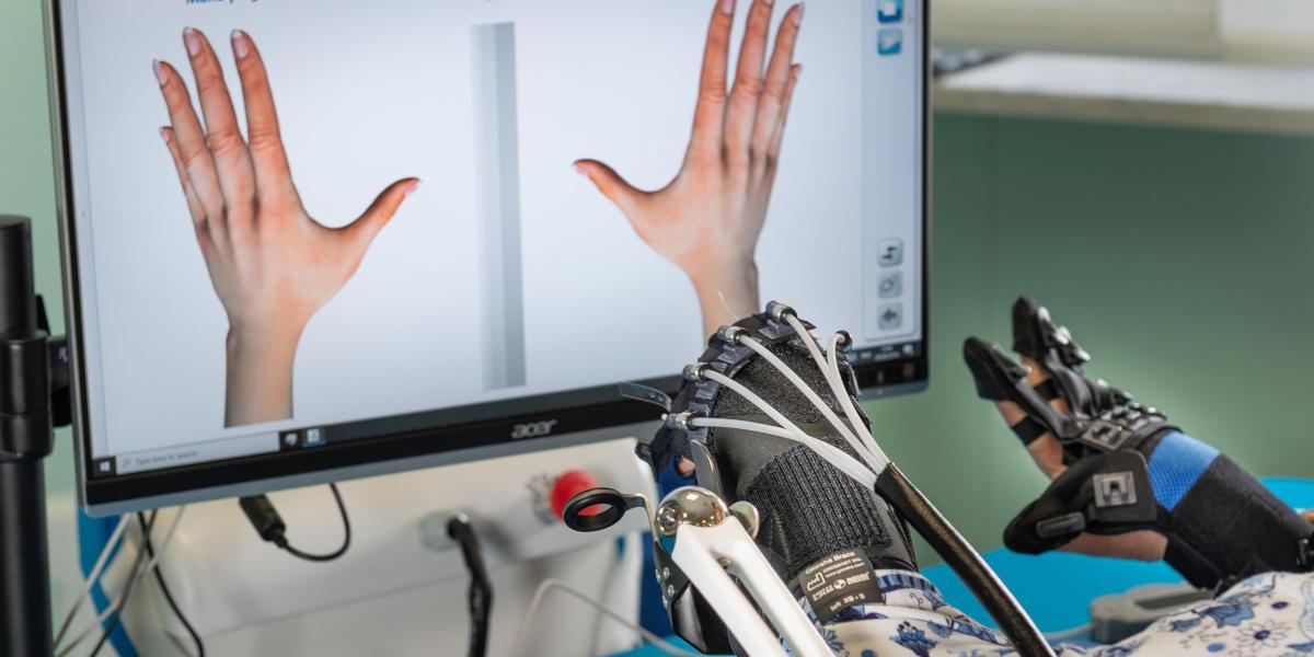 A Torino una mano robotica cura la riabilitazione dopo l'ictus
