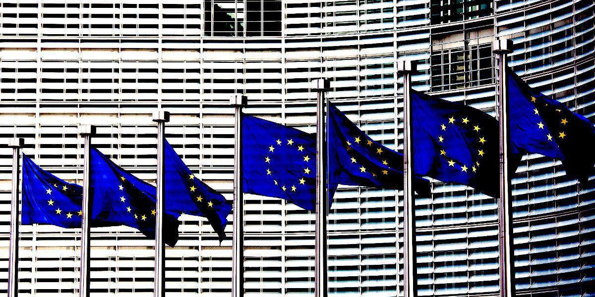 Dalla UE un sistema di allerta contro le fake news